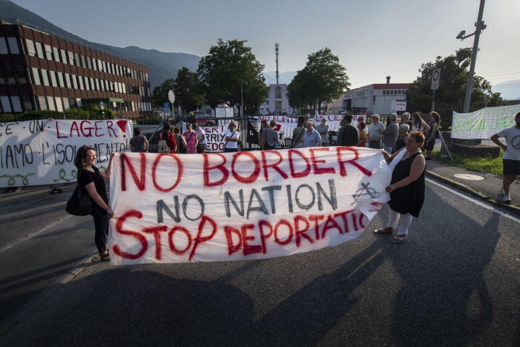 Solidaritätskundgebung vor dem Bunker